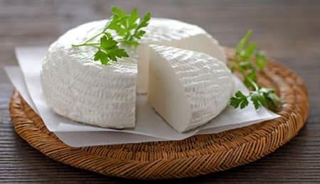 Raviggiolo-formaggio-italiano