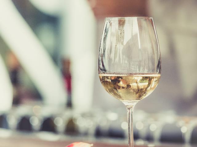 Bicchieri-da-vino-bianco