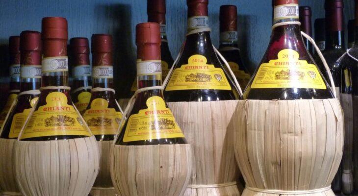 bottiglie-di-vino-a-ciascuna-il-suo-stile
